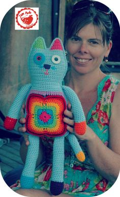By Jam Made - Free pattern and tutorial for you to make your own cute granny cat. Suitable for intermediate crocheters or keen adv-beginners. Crochet Cat Pattern, Crochet Yarn, Crochet Toys, Free Pattern, Crochet Patterns, Crochet Ideas, Loom Knitting, Knitting Toys, Blanket Stitch