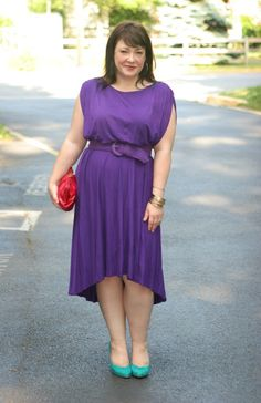 Wardrobe Oxygen: Vince Camuto purple dress, @Hobo red clutch, teal Jessica Simpson pumps, gold @nordstrom bangles