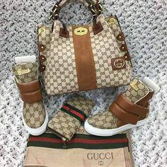Gucci love - Gucci Purses - Ideas of Gucci Purses - Gucci love Gucci Purses, Gucci Handbags, Purses And Handbags, Gucci Fashion, Fashion Bags, Fashion Shoes, Zapatos Shoes, Shoe Boots, Shoe Bag