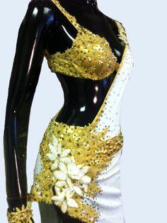 Bianco e oro ballo latino abito danza Abito di DesignByNatasha
