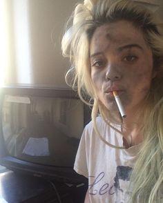 "Heather Duke: ""Veronica, you look like hell."" #IDontSmoke #OnlyFakeOnesInMovies #ThisTVDoesntWork"