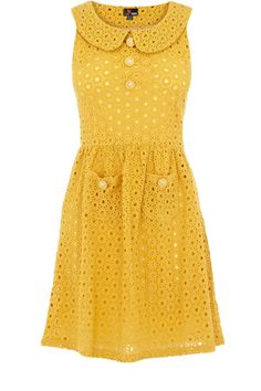 Eyelet dress with big pockets and peter pan collar - would be so pretty in pink or white