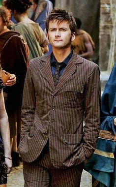 Ten in his slightly ill fitting iconic suit Doctor Who, I Am The Doctor, Tenth Doctor, First Doctor, David Tennant, Hollywood Tv Series, Dr Who Companions, John Mcdonald, Scottish Actors