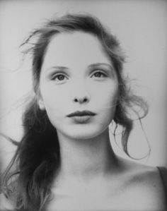 Julie Delpy.  She only makes my love for France and all things French that much stronger. Sooooooo damn gorgeous.