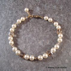 Cream Pearl Bracelet | Classic pearls are mixed with sparkli… | Flickr