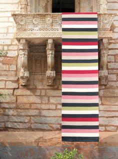 Yes.  Ribbon Multi-Stripe   Armadillo.