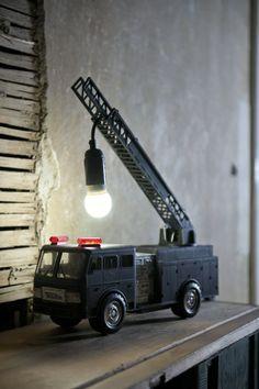 Lámpara coche de bomberos