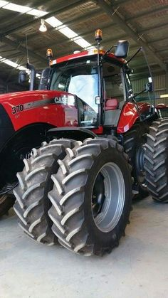 CASE IH MX370 MAGNUM FWD.                                        If it's not RED                         Keep it in the SHED!!!!!!!!