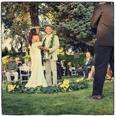 Outside... Relaxed... Love love the leaves for the groom! Exactly what I want!....