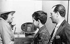 Um protótipo para vídeo chamada foi construído em 1956 e transmitia uma imagem a…