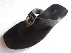 ~ GUCCI BLACK LIFFORD FLAT DOUBLE G THONG SANDALS (CASUAL LUXE!) 7.5