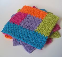 Simply Square Log Cabin Dishcloth: free crochet pattern More
