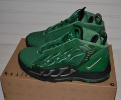 Nike Air Max Pillar Men s Size 7  amp  13 Green Retro style Air Max 95 337fb0e46
