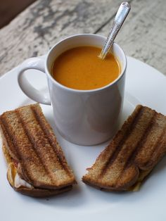 Thai Curry Sweet Potato & Carrot Soup - from comestibl.es