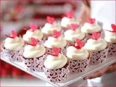 red velvet cupcakes topped with white frosting and an edible red butterfly! with butterfly cupcake wrappers Butterfly Wedding Cake, Butterfly Cupcakes, Butterfly Birthday Party, Birthday Ideas, Birthday Stuff, Mini Cupcakes, Wedding Cupcakes, Cupcake Cakes, Cup Cakes