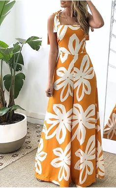 Classy Outfits, Chic Outfits, Dress Outfits, Fashion Outfits, Dress Neck Designs, Comfy Dresses, Lakme Fashion Week, African Fashion Dresses, Mode Style