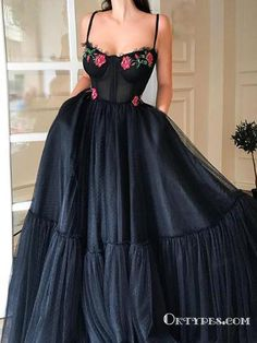 Tulle prom dress - Black Tulle Spaghetti Straps Long Evening Gowns With Appliques Prom Dressess – Tulle prom dress Tulle Prom Dress, Grad Dresses, Ball Dresses, Ball Gowns, Dress Up, Wedding Dresses, Mermaid Dresses, Black Tulle Dress, Cinderella Dresses