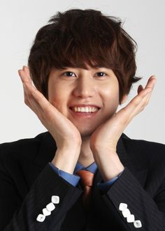 Super Junior's Kyuhyun donates 3 tons of rice to charity