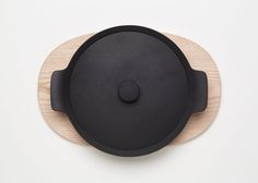 Palma cookware by Jasper Morrison for Oigen