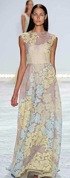 Monique Lhuillier Spring-summer 2015 - Ready-to-Wear Designer Evening Gowns, Evening Dresses, Long Dresses, Monique Lhuillier, Beautiful Gowns, Beautiful Outfits, Beautiful Clothes, Costura Fashion, 2015 Trends