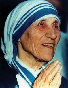 Teresa de Calcutá, missionária: Gonxha Agnes (1910-1997) fundou a congregação Missionárias da Caridade para ajudar aos pobres. Dois anos após sua morte, João Paulo II abriu a causa de sua canonização. Recebeu o Nobel da Paz em 1979.