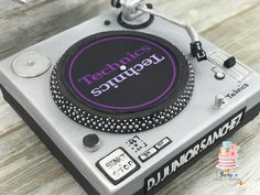 DJ turntable cake #TurntableCake #turntable #DJ #Technic #yaryscakealicious