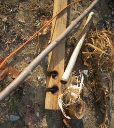 There are tons of different ways to start a fire, and everyone has their favorite. Learn how to quickly and easily make a bow drill fire in this article. #bowdrill #bowdrill #featured