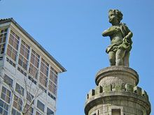 A fonte de Neptuno e do Angelote Centenario, Statue Of Liberty, Travel, Spain, Angel Wings, Fortaleza, Monuments, Sculptures, Cities