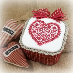Red Rose Lace Heart Fabric Box от SnowBerryNeedleArts на Etsy