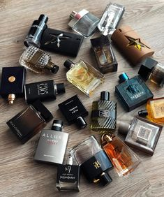 Best Perfume For Men, Best Fragrance For Men, Best Fragrances, Perfume Display, Perfume Store, Best Mens Cologne, Perfume And Cologne, Go For It, Versace