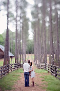 Not a huge fan of the blur. At least on the bottom, but pretty! Love the background. Maternity Photography, Couple Photography, Portrait Photography, Photography Ideas, Engagement Couple, Engagement Pictures, Atlanta, Miami, Engagement Photo Inspiration