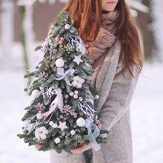 "leranel på Instagram: ""Fairytale winter morning🎄💕❄#flowers #flora #floristic #botany #firtree #nobilis #newyeartree #christmas #december #winter #cozy #punk…"" Christmas Decorations, Holiday Decor, Wool Felt, Flora, December, Punk, Vintage, Instagram, Home Decor"