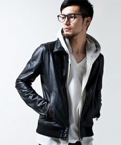 Men's Leather Jackets: How To Choose The One For You. A leather coat is a must for each guy's closet and is likewise an excellent method to express his individual design. Leather jackets never head out of styl Mens Fashion, Fashion Outfits, Fashion Trends, Runway Fashion, Casual Summer Outfits, Grey Hoodie, Mens Suits, Men Casual, Menswear