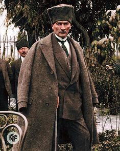 He is the founder of Modern Turkey Republic and its first president. Lived between Military and statesman. I chose some of his… Ataturk Quotes, Turkish Army, Media Quotes, Supreme Wallpaper, Universe Quotes, Ottoman Empire, Guys Be Like, Iron Age, The Republic
