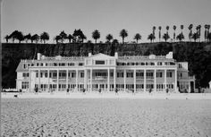 The Historic Annenberg Beach House in Santa Monica is beauty and glamour at its finest!