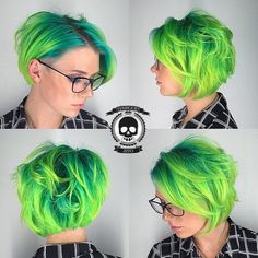 I've never really wanted green hair, but I LOVE shots like this. Funky Hairstyles, Pretty Hairstyles, Pelo Pixie, Wavy Pixie, Bright Hair, Bright Green, Coloured Hair, Hair Images, Mermaid Hair