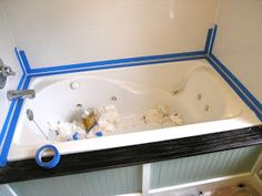 How to Caulk a Bathtub - . a must read before you re-caulk your tub! This was super handy and really helpful, especially filling the tub with water and taping. I'm not super-handy and it even worked for me. Grade - A - Home Decorating DIY Home Improvement Projects, Home Projects, Do It Yourself Organization, Home Fix, Diy Home Repair, Layout, Home Repairs, Home Hacks, Home Remodeling