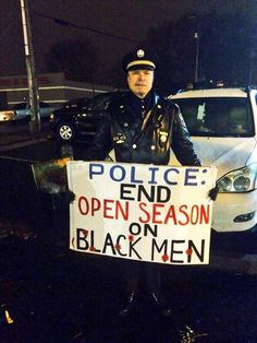 """""""Retired Philly cop has protested in Ferguson and was arrested in NYC at #EricGarner protests. Via @Bipartisanism."""""""