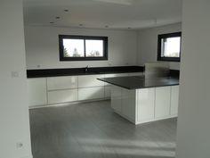 Notre cuisine avec son granit noir.... - Le 2eme permis sera-t-il le bon ?  par titoune68 sur ForumConstruire.com