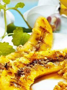 BANANES GRILLÉES À LA PLANCHA. Pour le dessert ou pour le goûter, ces délicieuses bananes feront le bonheur des petits et des grands ! http://www.verycook.com/blog/dessert-plancha/bananes-grillees