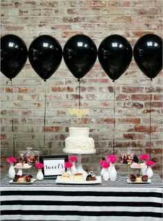 Black balloons at a party? Why not, when they're as pretty as this! The graphic black-and-white party table with pops of pink is absolutely gorgeous. Kate Spade Party, Kate Spade Bridal, Rosa Desserts, Pink Desserts, Grad Parties, Birthday Parties, Bachelorette Parties, 30th Birthday, Birthday Ideas