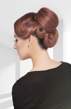 If you're jonesing for a fun, sexy and chic throwback hairdo, look no further than this list of 30 retro pin up hairstyles. You know you want to channel your inner Bettie Page! Prom Hairstyles For Short Hair, Braids For Short Hair, Indian Hairstyles, Up Hairstyles, Bridesmaid Hairstyles, Formal Hairstyles, Haircuts, Half Up Curls, Half Up Half Down Hair Prom