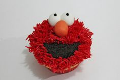 Elmo Cupcakes by lydiabakes, via Flickr