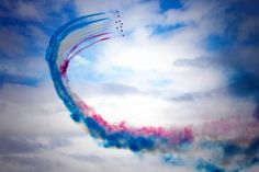 Embedded image permalink Raf Red Arrows, Airplane Crafts, Embedded Image Permalink, Airplanes, Bae, Military, Smoke, Display, Collection