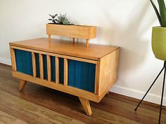 Vintage 1950s Blondewood Lowline Hall Stand/Sideboard with Wooden Planter Box