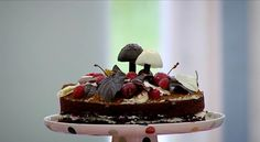 The Great British Bake Off, Season 1, Episode 1, Showstopper: Chocolate Celebration Cake. David's Black Forest Floor Gateau.