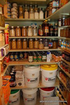 Canned Good Storage, Canning Jar Storage, Canning Jars, Canning Recipes, Food Storage Rooms, Long Term Food Storage, Survival Food, Survival Prepping, Emergency Preparedness