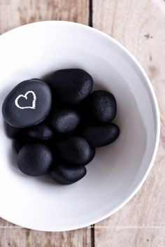 Make Message Stones with chalkboard paint...a green version of a post-it note
