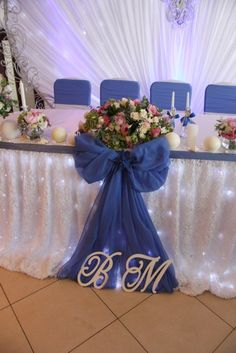 Decoration Evenementielle, Sweet 16 Decorations, Wedding Stage Decorations, Table Decorations, Wedding Columns, Wedding Stage Design, Bride Groom Table, Head Table Wedding, May Weddings