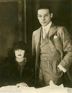 Rudolph Valentino with wife at the time, Natasha Rambova, Great Photo! He passed at years day what a tregedy. Old Hollywood Glamour, Hollywood Actor, Vintage Hollywood, Classic Hollywood, Rudolph Valentino, First Winter Olympics, Valentino Tango, Dh Lawrence, Horsemen Of The Apocalypse